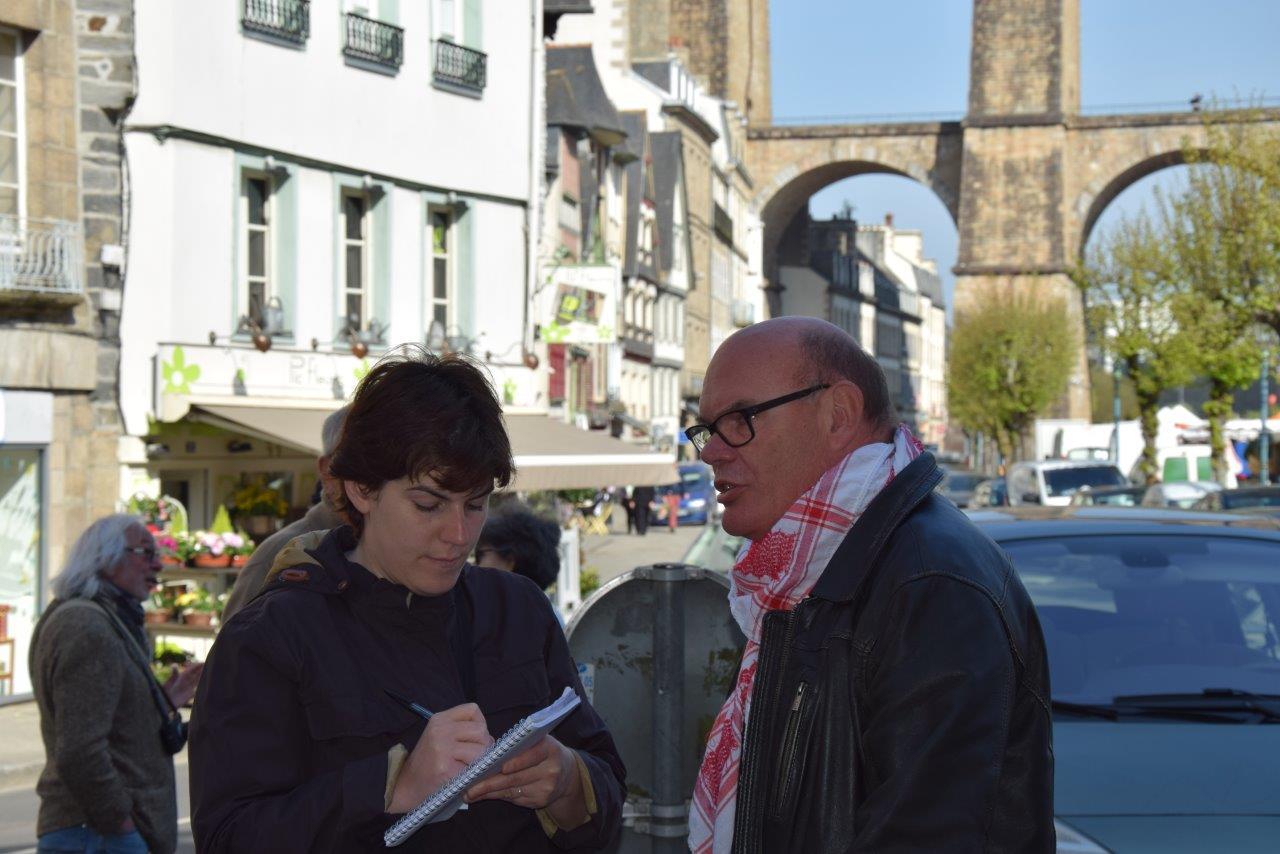 Monique Keromnès du Télégramme et François Rippe, représentant de l'Afps du Pays de Morlaix  Photo pyb29.